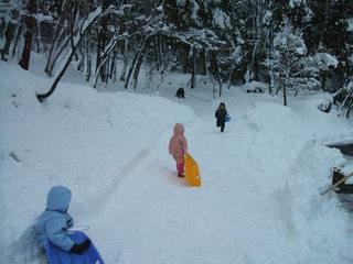 雪遊びをしよう!雪遊び道具無料貸出とスノーパル入場券付プラン