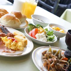 【3名以上】★のんびりチェックアウト11時♪ ≪朝食付き≫