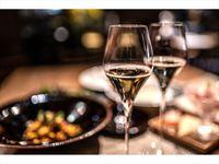 【期間限定ポイント10%】ディナーコースと乾杯シャンパン付き〜隠れ家のようなホテルで特別なひと時を〜