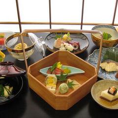 祇園で過ごす京の旅【坂の上の味を京懐石で堪能】
