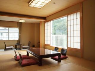 生源泉掛け流しの宿◎夜景川音を愉しむ上層階和室(5、6階)