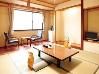 【海側】和室8畳+広縁(洗面トイレ付)
