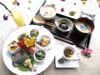 【SPA休業特別価格でお得!】お得な朝食付きプラン登場!ワンドリンクサービス付き