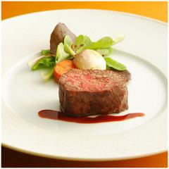 《Riccaかにスタンダード》かにのヴァプールと但馬牛熟成肉【洋室×森林庭園レストランRicca】