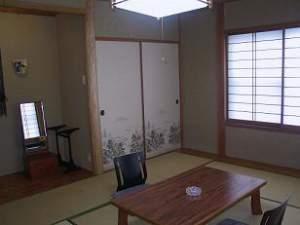 和室10畳(4〜5名バスなしトイレなし)