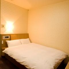◇禁煙セミダブル◇120幅サータ社製ベッド・Wi-Fi完備