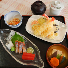 ◆【駐車場無料】夕食も館内でのんびりと。ビジネス・観光に便利な一軒宿【夕朝食付】
