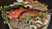 【 プレミアム欲張りプラン 】海鮮魚貝盛り合わせ&常陸牛陶板焼きのWメインで大満足♪<夕食付き>