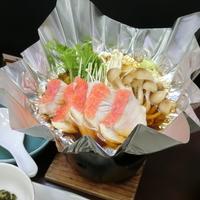 【巡るたび、出会う旅。東北】【メインは金目鯛の海鮮寄席鍋】2種類の泉質を堪能する温泉グルメ旅!