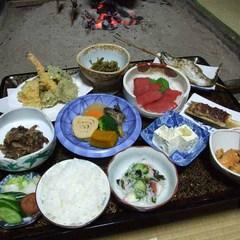 【2食付】郷土料理でおもてなし。│古民家で湯西川温泉のんびり癒しタイム│部屋食・現金特価