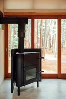 【薪ストーブ付き★素泊り】木造ならではの温かい雰囲気!宿泊者温泉入り放題!森のコテージでのご宿泊♪