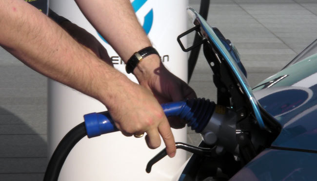 EV車 充電器 完備