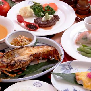 【NAGI〜凪〜】伊豆牛ステーキと伊勢海老の鬼殻焼きと食べるスープ鶏飯【特典付】