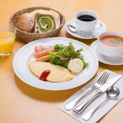 【朝食付】学校校舎に宿泊◆施設内のパン工房で焼く焼きたてふわふわパンと地元新鮮素材を使った朝ごはん