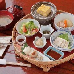 【ポイント10倍】自分時間を楽しむホテルスタイル 1泊2食付(OUT12:00)