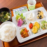 【オンラインカード決済限定】♪スマートチェックイン♪有機JAS野菜サラダ&焼き立てパンで健康朝食付♪