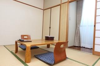 【わらび・やまぶきの間】和室6畳(トイレ無)