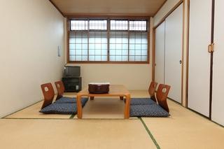 【鶴・亀の間】和室7.5畳(トイレ無)