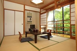 【特別室 さくらの間】和室10畳+4畳(お風呂、トイレ付)
