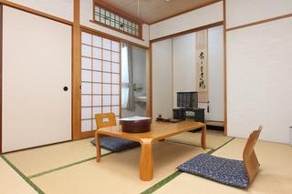 【すみれの間】和室6畳(お風呂、トイレ付)