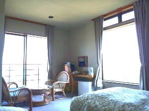 眺望最高の角部屋!海一望のTW〜3BEDルーム(3階)