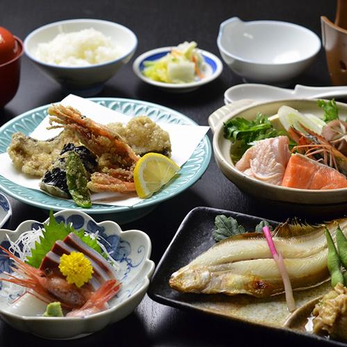 【小鍋牛すき焼き+日替わり会席】女将特選!柔らかい牛肉&地元野菜を甘辛すき焼きで