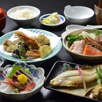 【牛すき焼き+日替わり会席】女将特選!柔らかい牛肉&地元野菜を甘辛すき焼きで