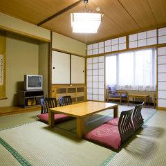 和室 (35平米:バス/トイレ付き)