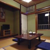静かで素朴な雰囲気の和室6畳