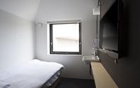 個室シングルルーム 共用バスルーム
