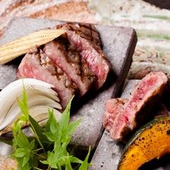 【11月からの特選会席】松阪牛の溶岩ステーキとふぐ鍋を使った特選料理を『伊せ吟』で味わう