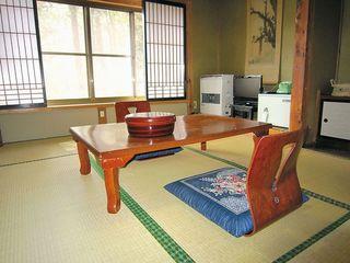 【旧館】★和室5〜6畳★バス・トイレ・洗面所なし(共用)