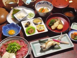 【平日限定&部屋食】山里料理と黒湯温泉で満喫!