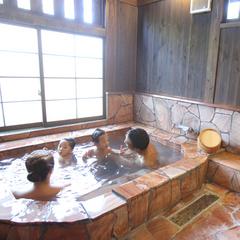 【添い寝無料】お子様のお泊り快適グッツあり!離れのお部屋の広いお風呂が人気♪2食付きファミリープラン