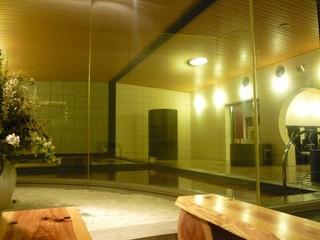 スパプラン 新横浜温泉入浴券付。弱アルカリ性のナトリウム塩化物温泉で保温・美肌効果をお楽しみ下さい。