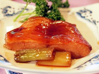 【人気の定番和食膳】新鮮お刺身と金目漁師煮&地鶏料理プラン