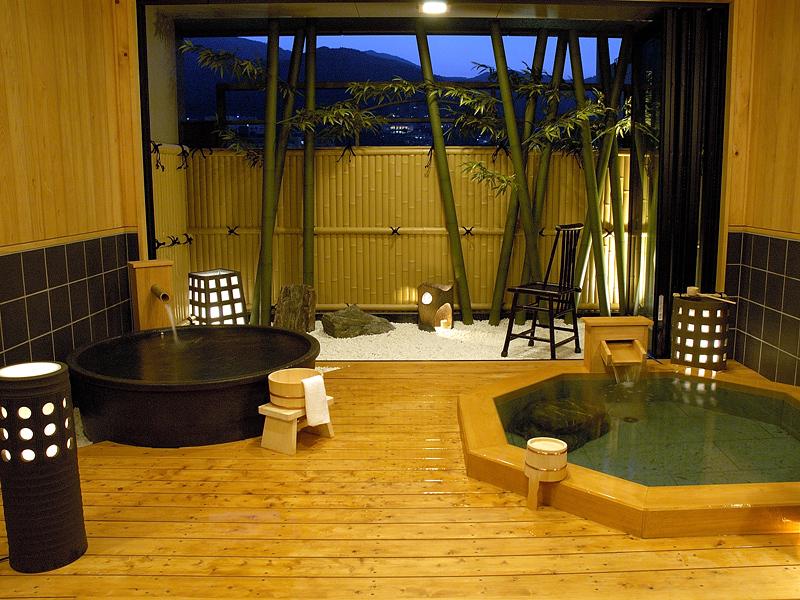 【秋冬旅セール】☆朝食付きプラン〜露天風呂、サウナ、プール&ジャグジーを満喫〜