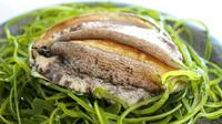 ☆伊豆の美食旅・活き鮑の踊り焼き、生本山葵をすりおろして山葵丼を体験