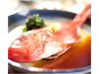 【小波-sazanami-】ふわとろ!金目の煮付け+お刺身4点船盛り☆【50歳】以上にお勧め♪