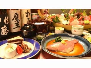 【輝-kagayaki-】【見せます究極のご馳走!】伊勢海老+アワビ+刺身大舟盛☆選べるメイン料理