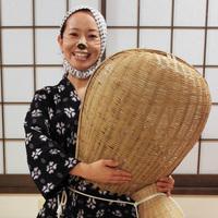 伝統芸能『正調安来節どじょうすくい踊り』を安来節保存会准師範の主人、女将と体験♪かくし芸に是非!