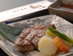 一番人気!「牛ステーキ」も入ったお魚尽くし(ワンランク上の肉コース)