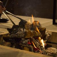 【平日限定】[囲炉裏ラウンジ]インクルーシブプラン〜優しく揺れる炎と寛ぎの一杯を楽しむ〜
