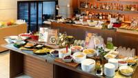 ■■2食付(5-6月)■■ 姉妹店の特別ディナーコース+口コミ人気の朝食ビュッフェ