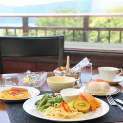選べるフルコースディナー♪箱根の山々を望む露天風呂貸切OK!