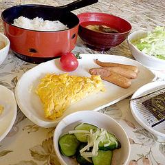 特典→無料で朝食サービス!夕朝食とも好評の日替わりメニューをホテルで♪
