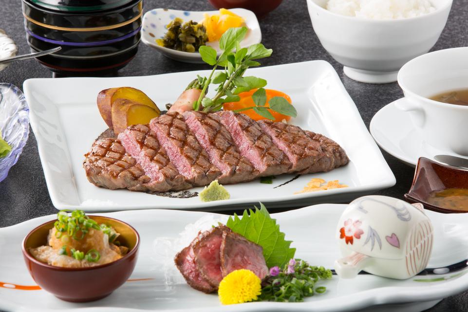 【日替わりステーキ】部位お任せの但馬牛ステーキプランで『但馬玄』を味わう!浴衣&外湯券付き