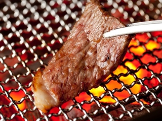 【記念日】小さなホールケーキ付♪肉好きをお祝いする最適なプラン★いろりコースでお祝い。グレードUP可