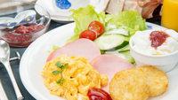 【朝食のみ】焼きたてパンと自家製フルーツジャムが人気★最終チェックイン23時
