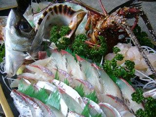 伊勢海老1人1尾・地魚3種舟盛・地魚煮付け島ごはんぷらん